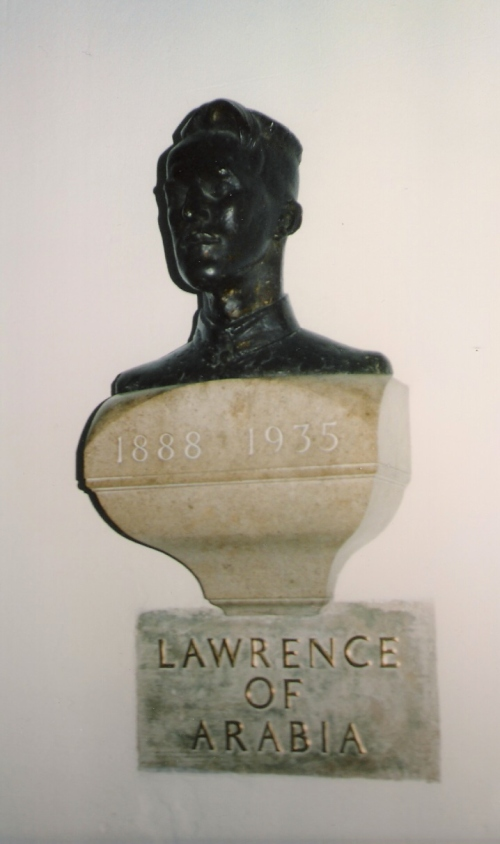 Lawrence_Bust_in_St._Paul
