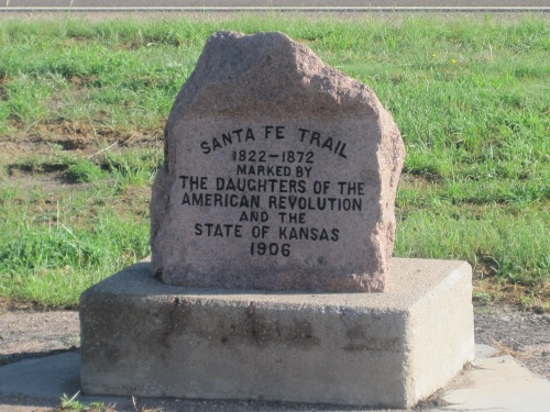 Santa_Fe_Trail_marker_in_Coolidge,_KS_IMG_5820