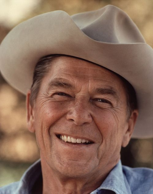 809px-Ronald_Reagan_with_cowboy_hat_12-0071M_edit