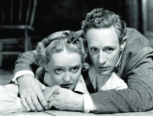 bette-davis-and-leslie-howard-in-the-petrified-forest-(1936)-large-picture