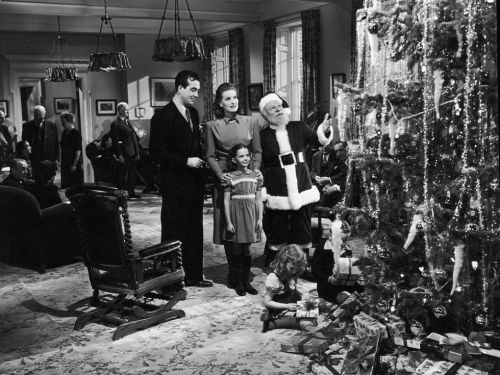 gallery-1450294722-miracle-on-34th-street-getty