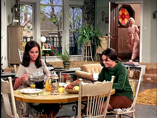 Mary-Rhoda-and-Phyllis-Mary-Tyler-Moore-Show-set.jpg