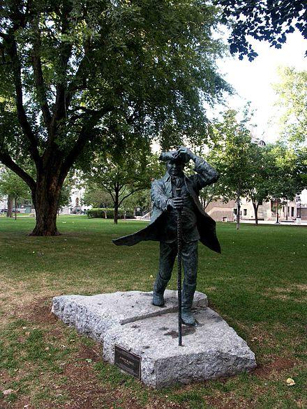 440px-Statue_de_James_McGill,_fondateur_Université_McGill,_Montréal